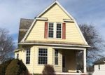 Foreclosed Home en W SOUTH ST, Clinton, IL - 61727