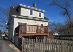 Foreclosed Home en E MAPLE AVE, Villa Park, IL - 60181