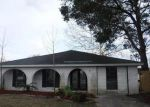 Foreclosed Home en ROSE ST, Chalmette, LA - 70043