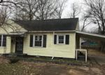 Foreclosed Home en N MCAULEY DR, West Memphis, AR - 72301