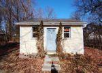 Foreclosed Home en RED OAK RD, Bridgeport, CT - 06606