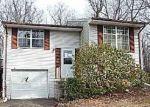 Foreclosed Home en PINECREST LN, Newburg, MD - 20664