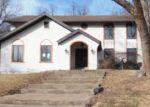 Foreclosed Home en FLEUR DE LIS DR, Florissant, MO - 63034
