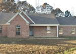 Foreclosed Home en BEVERLY LN, Holly Springs, MS - 38635