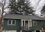 Foreclosed Home en TYLER AVE, Miller Place, NY - 11764