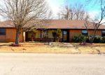 Foreclosed Home en HAZYBROOK CIR, Chickasha, OK - 73018
