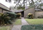 Foreclosed Home en RENWICK ST, Bay City, TX - 77414