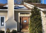 Foreclosed Home en GREEN MEADOW DR, Clifton Park, NY - 12065