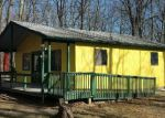 Foreclosed Home en SUNSET DR, Milford, PA - 18337