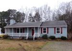 Foreclosed Home en YELLOWSTONE DR, Petersburg, VA - 23803