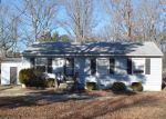 Foreclosed Home en TAVERN RD, Petersburg, VA - 23805