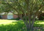 Foreclosed Home en W MAIN ST, Clarksville, TX - 75426