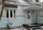 Foreclosed Home en IROQUOIS DR, New Kensington, PA - 15068