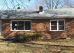 Foreclosed Home en VILLAGE RD, Harrisburg, PA - 17112