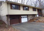 Foreclosed Home en CARPENTER RD, Manchester, CT - 06042