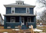 Foreclosed Home en IOWA ST, Davenport, IA - 52803