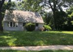 Foreclosed Home en GLEN MAWR DR, Trenton, NJ - 08618