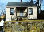 Foreclosed Home en CEDARLEAF AVE, Capitol Heights, MD - 20743