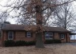 Foreclosed Home en E MECHANIC AVE, Independence, MO - 64050