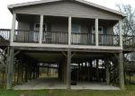 Foreclosed Home en CHURCH ST, Anahuac, TX - 77514