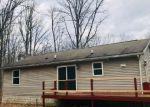 Foreclosed Home en DAVOS CIR, Zion Grove, PA - 17985