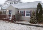 Foreclosed Home en CATHERINE ST, Chicopee, MA - 01013