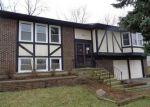 Foreclosed Home en SHEFFIELD LN, Bolingbrook, IL - 60440