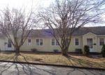 Foreclosed Home en HIGBIE DR, East Hartford, CT - 06108