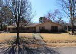 Foreclosed Home en BROADMOOR DR, Conway, AR - 72034