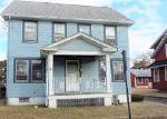 Foreclosed Home en PARKVIEW AVE, Elmwood Park, NJ - 07407