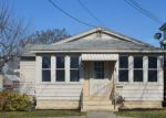 Foreclosed Home en W BARBER AVE, Woodbury, NJ - 08096