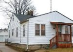 Foreclosed Home en MENOMINEE ST, Burton, MI - 48529