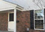 Foreclosed Home en MEADOWBRIDGE DR, Clinton Township, MI - 48035
