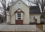 Foreclosed Home en W GREEN ST, Mascoutah, IL - 62258