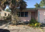 Foreclosed Home en W PINE ST, Lake Worth, FL - 33462