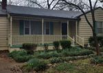 Foreclosed Home en E DUNCAN AVE, Florence, AL - 35630