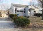 Foreclosed Home en BURLING DR, Alton, IL - 62002