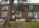 Foreclosed Home en MEADOWBROOK LN, Darby, PA - 19023