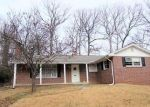 Foreclosed Home en SAINT ANDREWS PL, College Park, MD - 20740