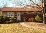 Foreclosed Home en BRUSHGLEN LN, Pittsburgh, PA - 15236