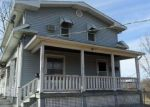 Foreclosed Home en CAMERON ST, Burlington, IA - 52601