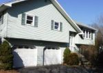 Foreclosed Home en DEVONSHIRE RD, Bethlehem, PA - 18020