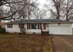Foreclosed Home en PARKWAY DR, Lorain, OH - 44053