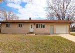 Foreclosed Home en APPLE ST, Coloma, MI - 49038