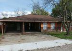 Foreclosed Home en KAHNS RD, Port Allen, LA - 70767
