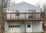 Foreclosed Home en FALL MOUNTAIN LAKE RD, Terryville, CT - 06786