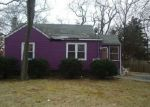 Foreclosed Home en MONSEN ST, Central Islip, NY - 11722
