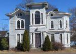 Foreclosed Home en CLINTON AVE, Bridgeport, CT - 06605