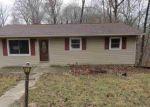 Foreclosed Home en N UTT DR, Bloomington, IN - 47408
