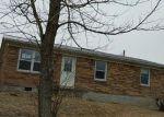 Foreclosed Home en WHISPERING WOODS DR, Irvine, KY - 40336